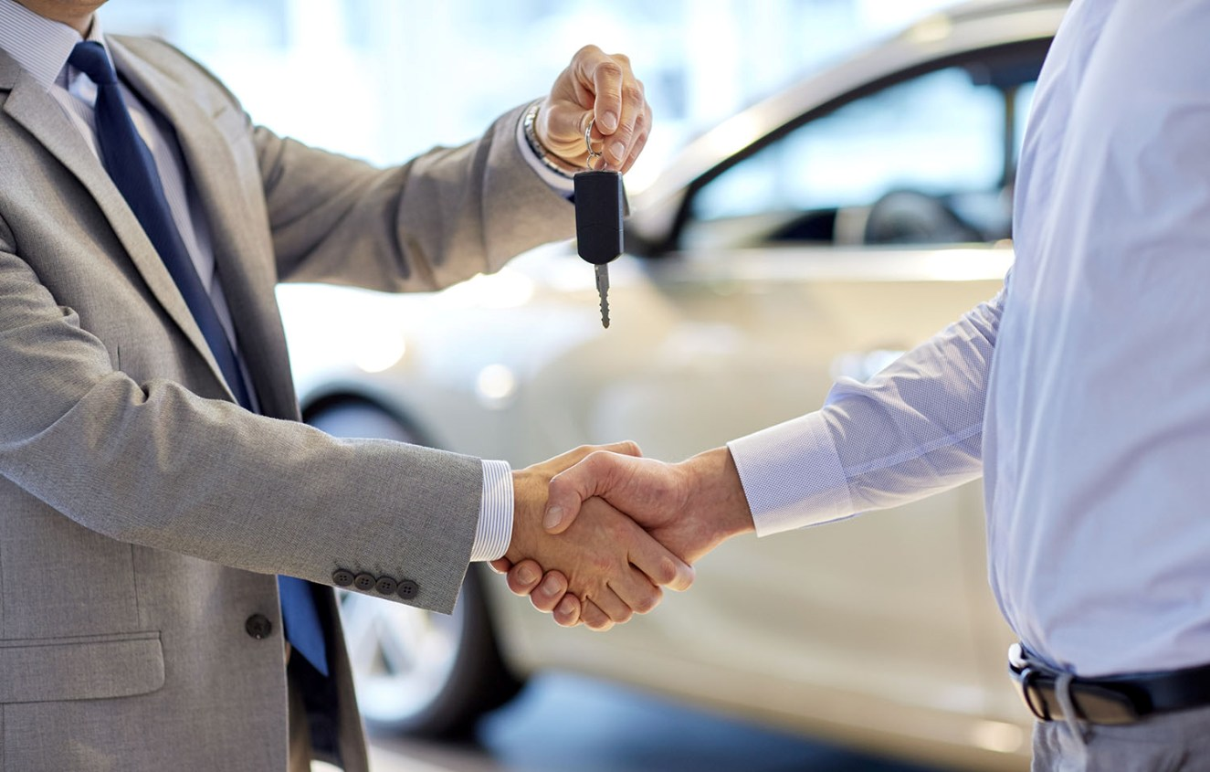 3 Tricks Car Salesmen Use to Get You to Spend More